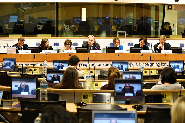Secretary General moderates workshop on citizens' dialogues at Europcom